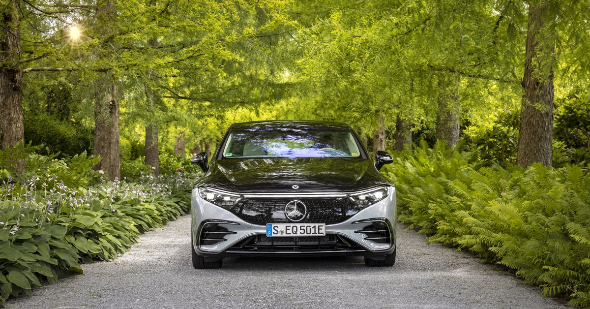The Mercedes-Benz EQS Will Cost Over 0,000, But It's Still Cheaper Than the S-Class