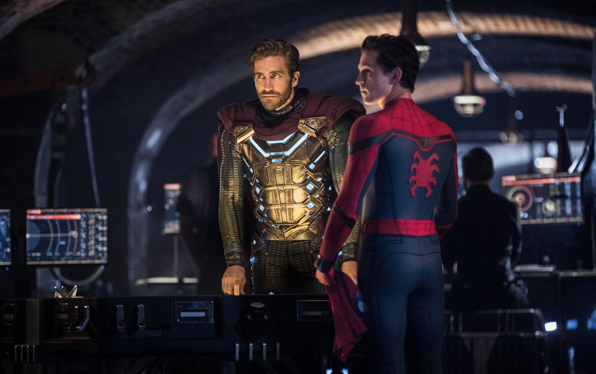 mysterio and spider-man in far from home