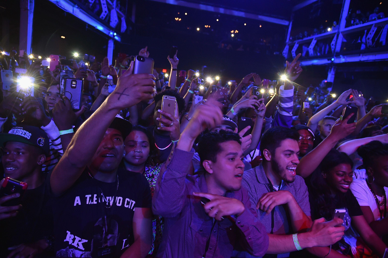 Tidal Crowd
