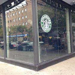 """Closed Starbucks, NYC. [Photo: <a href=""""http://instagram.com/p/RXqgp-swTD/"""">mariamenounos78/Instagram</a>]"""
