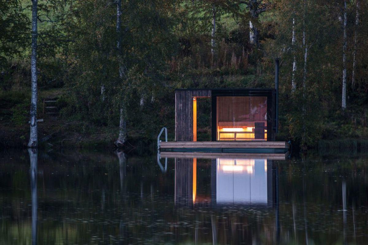 floating sauna in Sweden