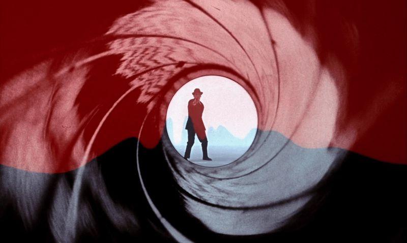 Dr. No gun barrel moment with James Bond