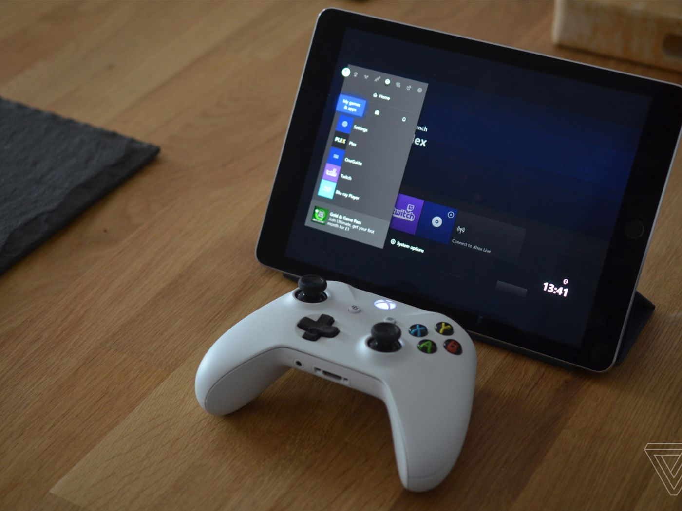 Apple S Xbox And Ps4 Controller Support Turns An Ipad Into A Portable Game Console The Verge