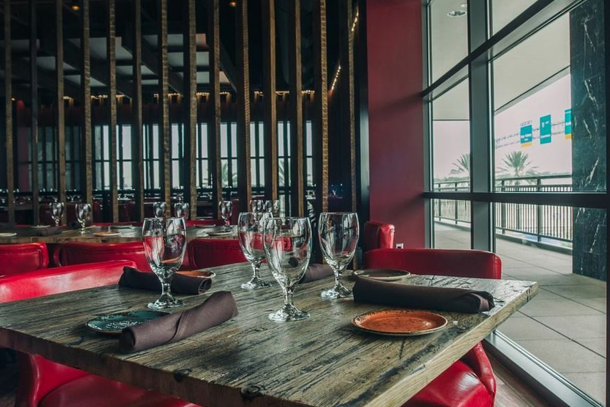 """<a href=""""http://houston.eater.com/archives/2013/12/12/take-a-look-inside-churrascos-at-gateway-memorial-city.php"""">Churrascos, Houston</a>"""