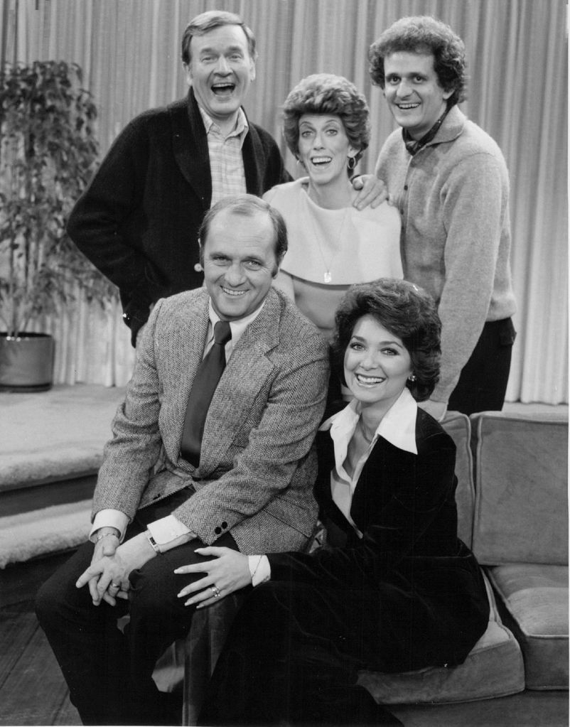 """Bill Daily (back left) with the cast of """"The Bob Newhart Show: Marcia Wallace, Peter Bonerz, Bob Newhart and Suzanne Pleshette. CBS/ FIle Photo"""