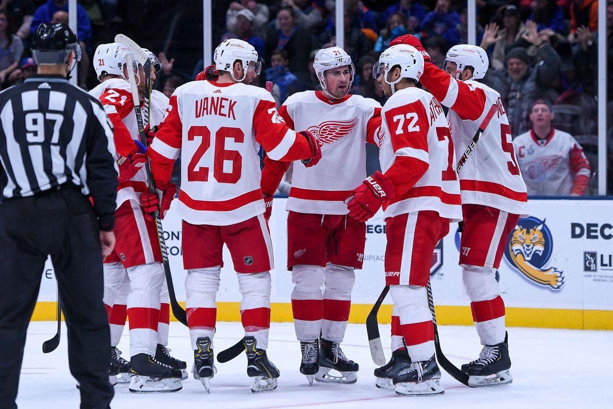 NHL: Detroit Red Wings at New York Islanders