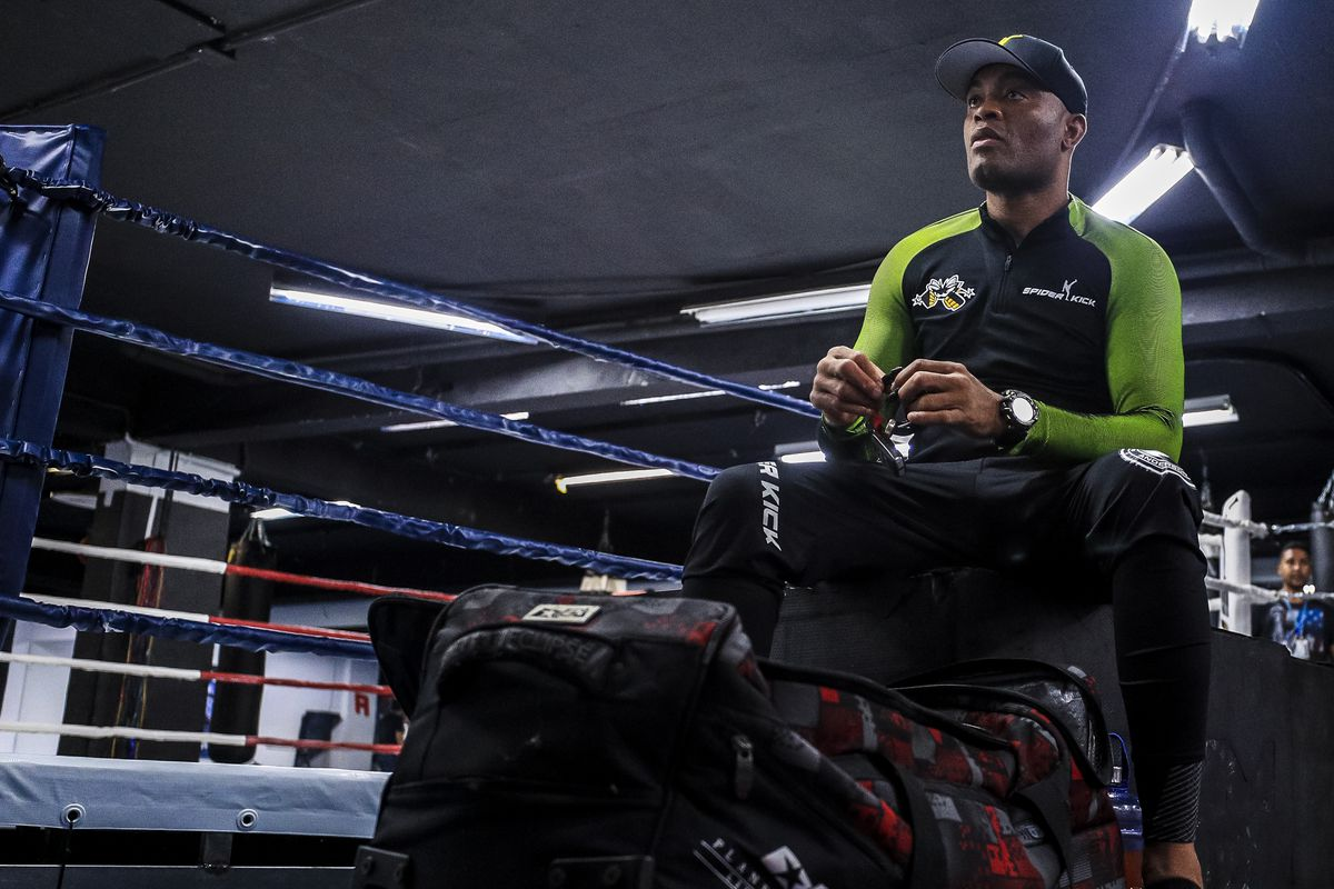 Video: Anderson Silva's son wins Muay Thai debut by TKO
