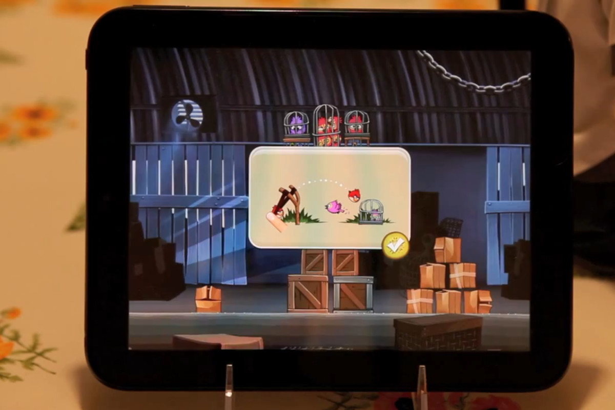 TouchPad running Angry Birds