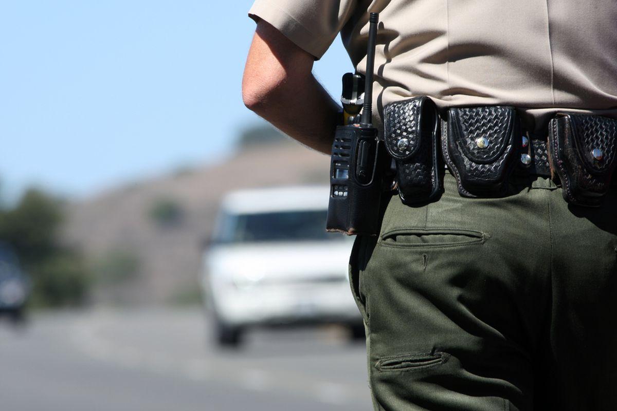 Police officer (SHUTTERSTOCK)