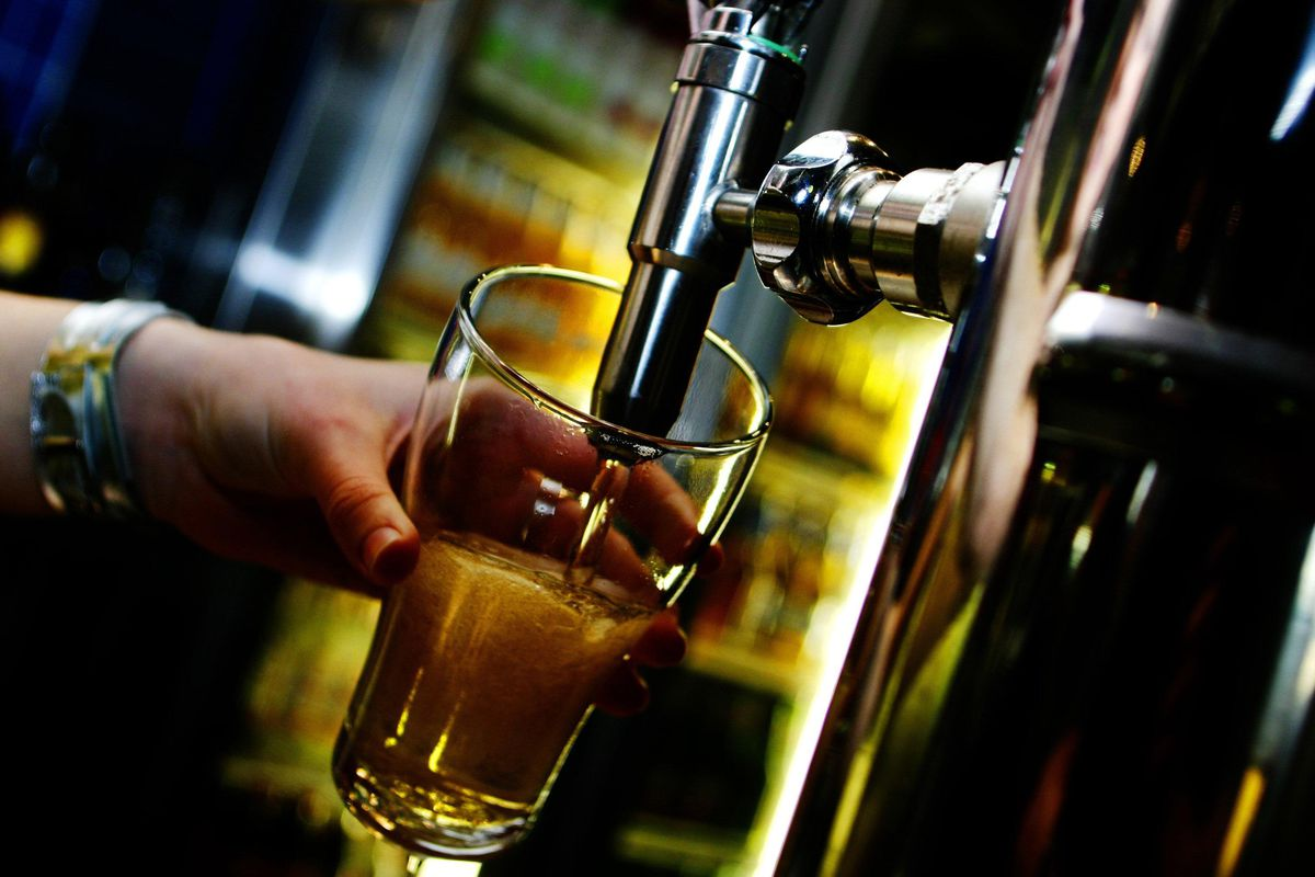 Generic beer pouring, 25 January 2005. AFR Picture by ANDREW QUILTY