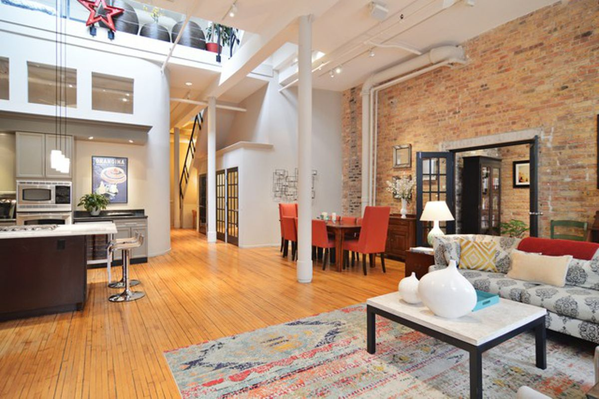Bright Three Bedroom Lakeview Duplex Loft Asks 625k Curbed Chicago