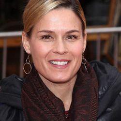 """<a href=""""http://eater.com/archives/2012/07/24/cat-cora-dui-911-call-shes-yelling-and-driving-insane.php"""">Cat Cora DUI 911 Call: 'She's Yelling' and 'Driving Insane'</a>"""