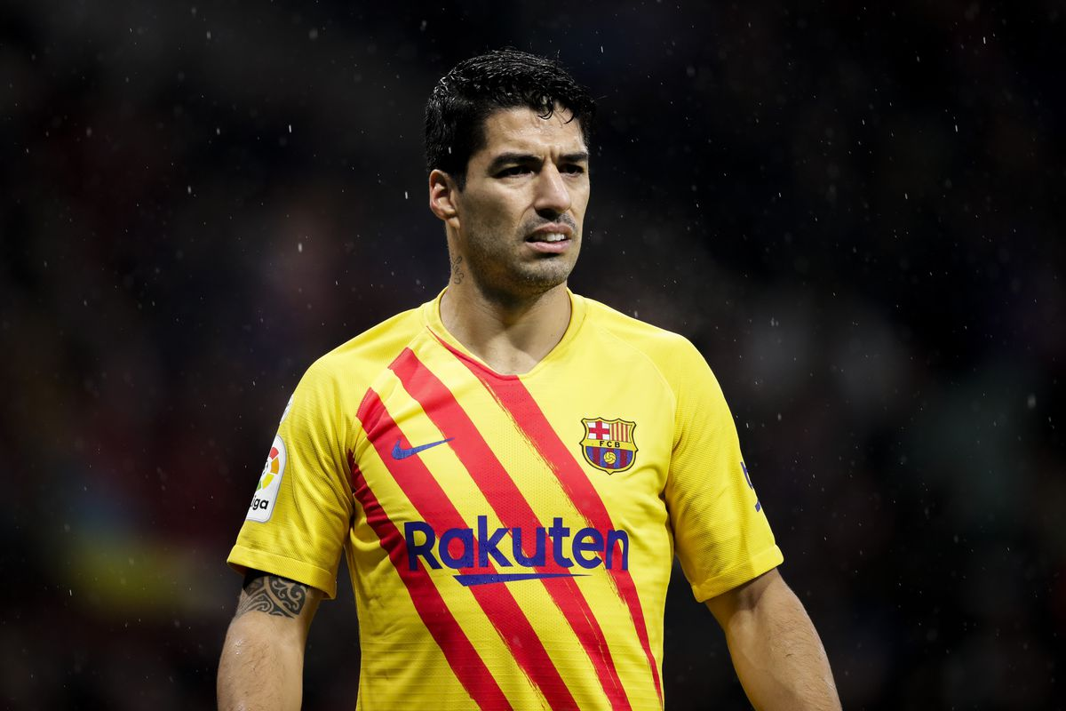 Luis Suarez tells Barcelona to sign a new No. 9