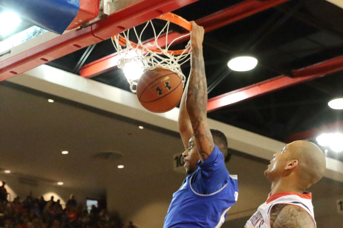Mobley halted a first half St. John's run with a put-back slam.