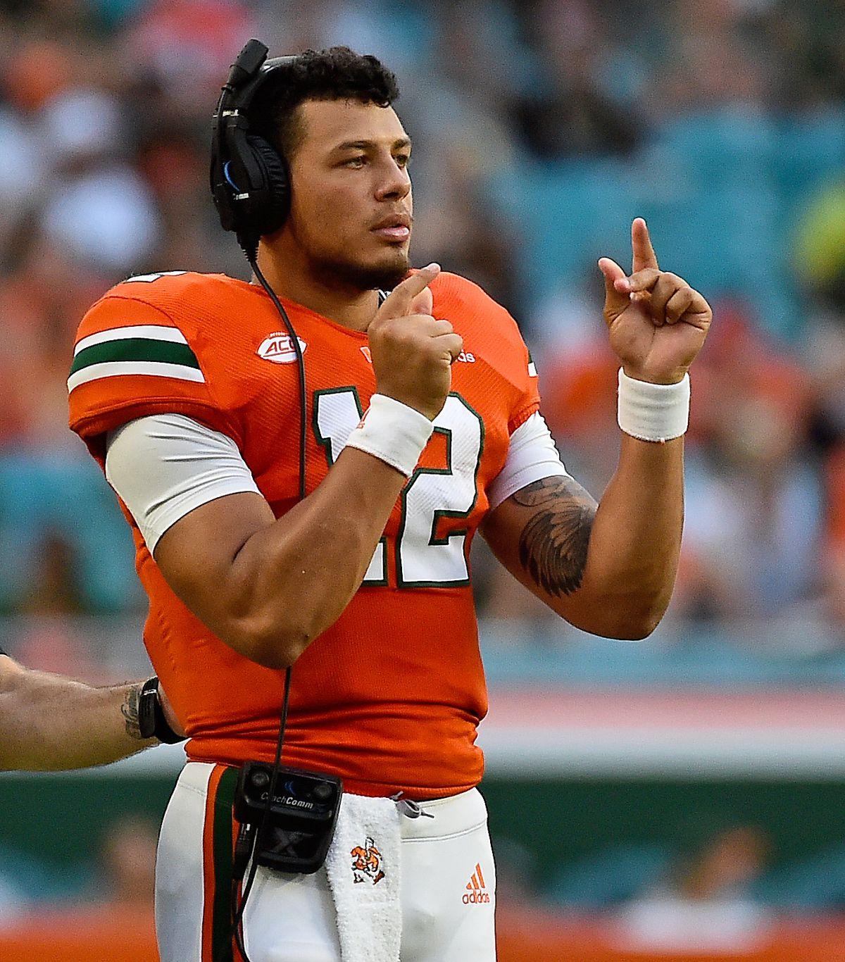 "<p zoompage-fontsize=""15"" style="""">NCAA Football: Florida International at Miami"