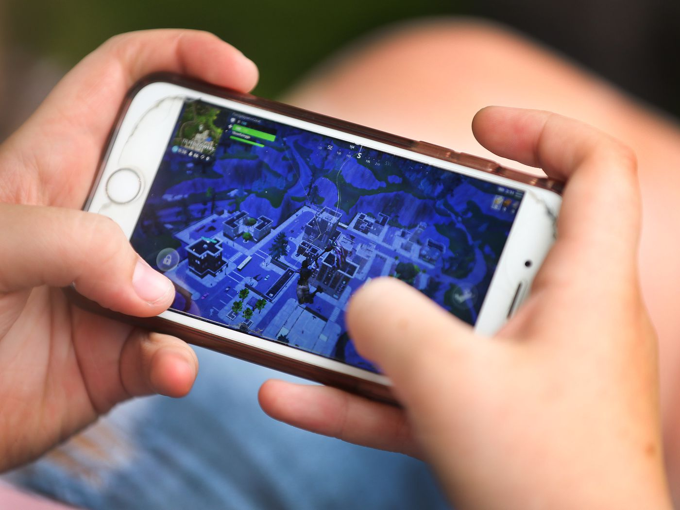 Fortnite How Iphone Users Can Keep Skins V Bucks For Chapter 2 Season 4 Deseret News