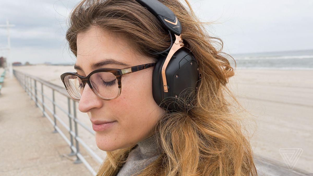 6eee2d6d806905 V-Moda Crossfade 2 Wireless review: the everything headphones - The ...