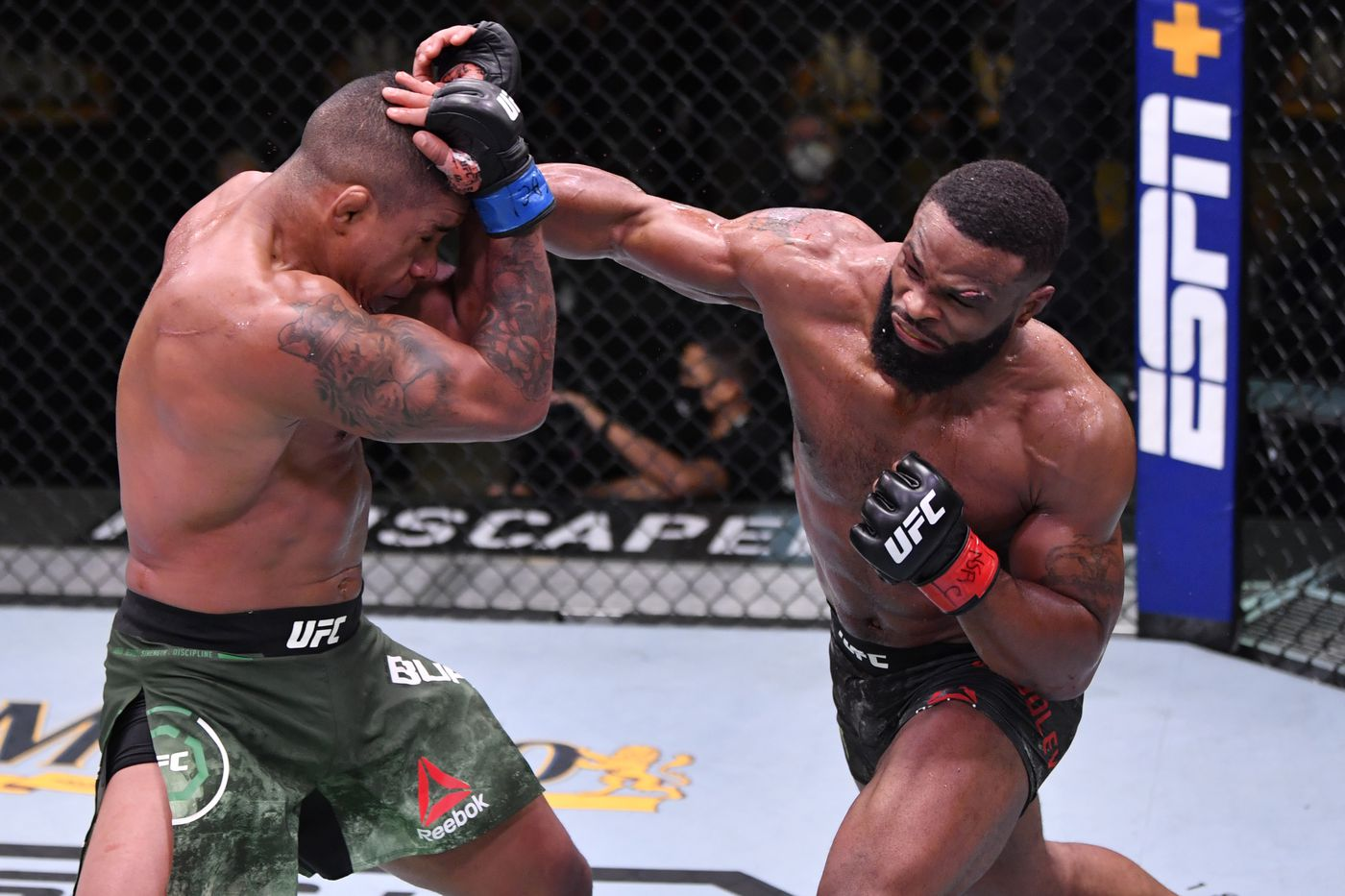 Midnight Mania Tyron Woodley Denies Ducking Colby Covington Mmamania Com