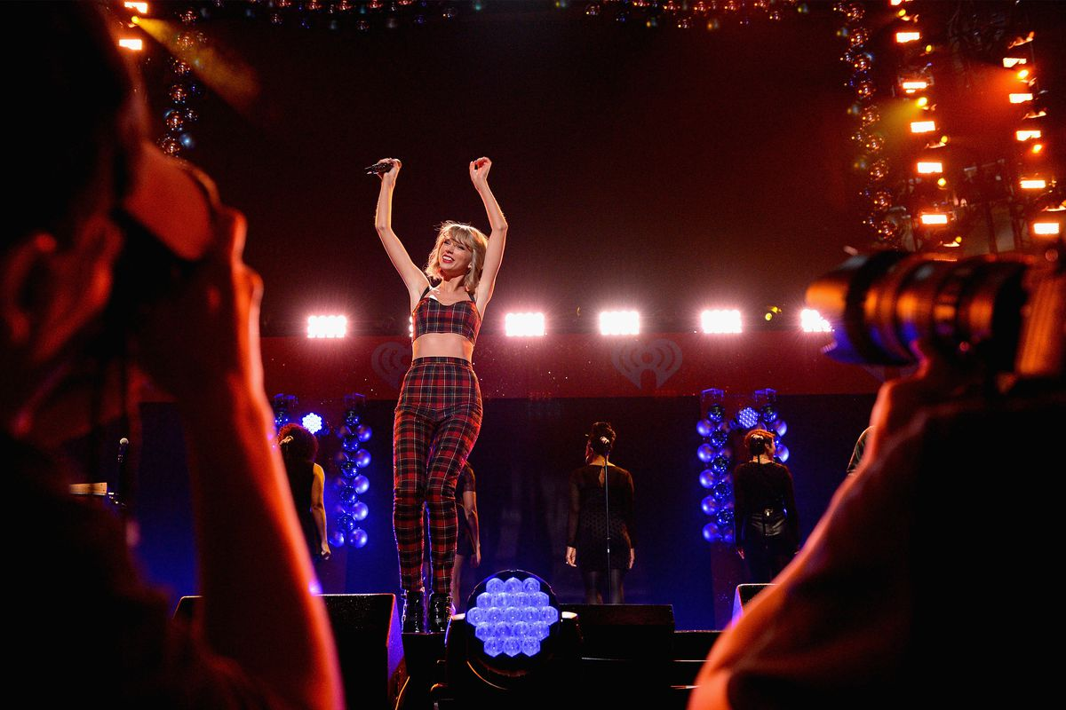 Taylor Swift performs at the Jingle Ball