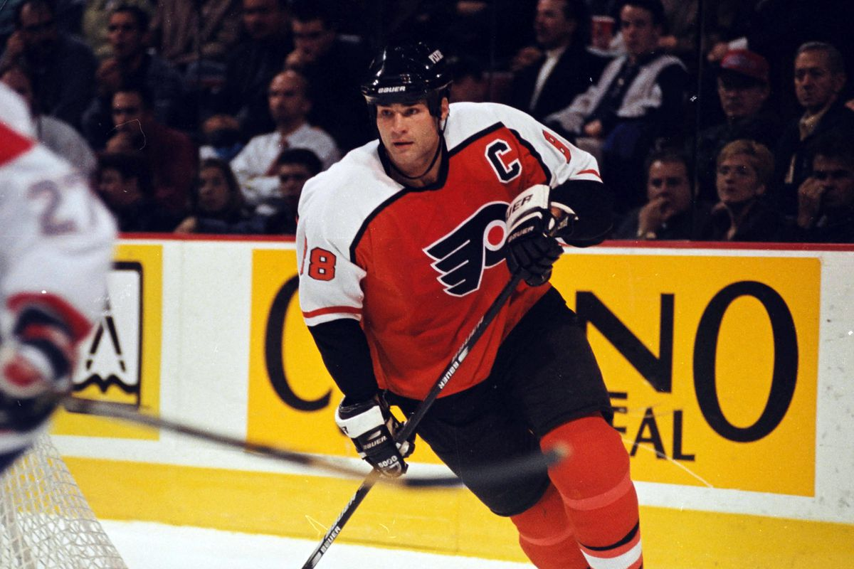 Eric Lindros not on all-time Flyers team in EA Sports' NHL