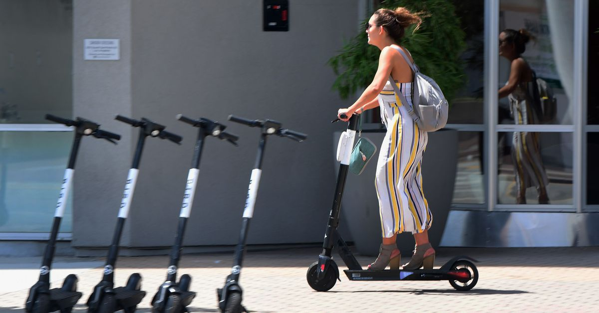 Are scooters too dangerous for LA's streets? - Curbed LA