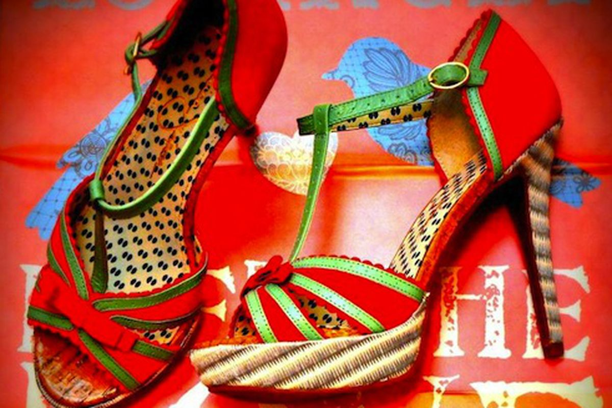 An image from Girls Love Shoes