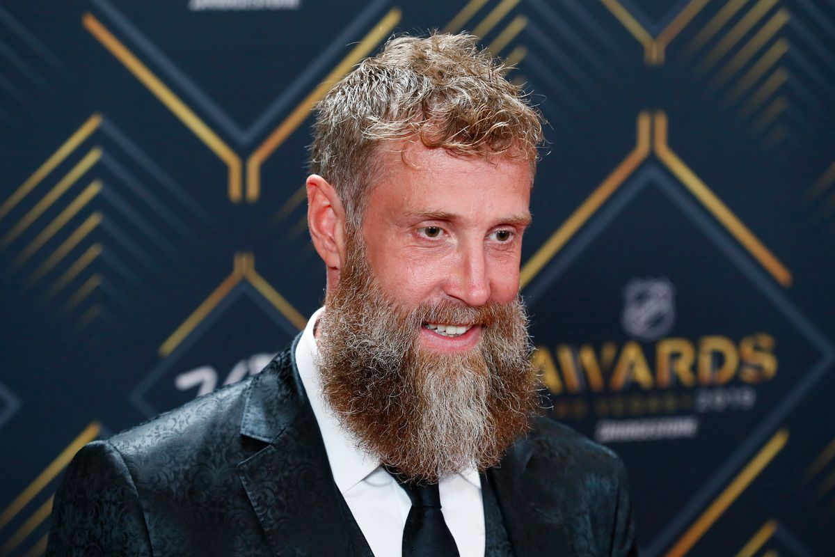 LAS VEGAS, NV - JUNE 19: Joe Thornton of the San Jose Sharks poses for photos on the red carpet during the 2019 NHL Awards at Mandalay Bay Resort and Casino on June 19, 2019 in Las Vegas, Nevada.
