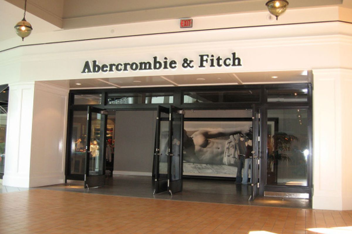 """Abercrombie &amp; Fitch's Mall of America store. Image via <a href=""""http://www.flickr.com/photos/ebuettner/20005845/"""">EBuettner</a>/flickr"""