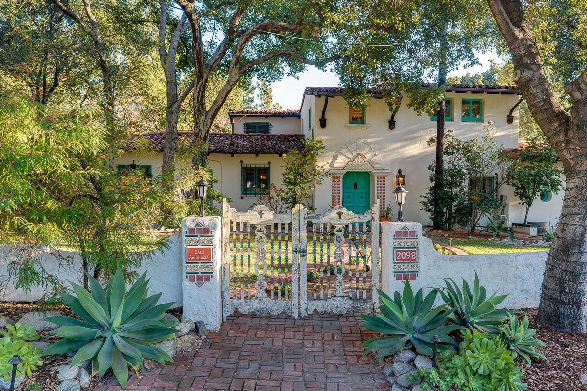 Spectacular Spanish Colonial Revival House In Altadena Seeks 2 8m