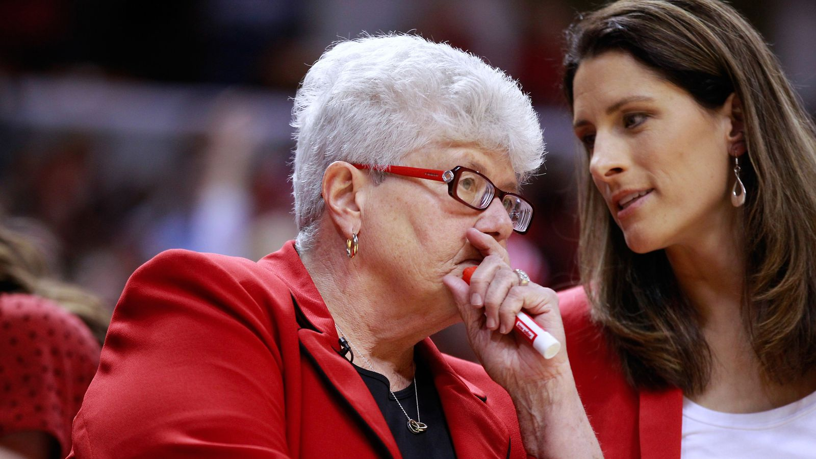 Indiana Fever Head Coach Lin Dunn to retire after 2014 season - Swish Appeal