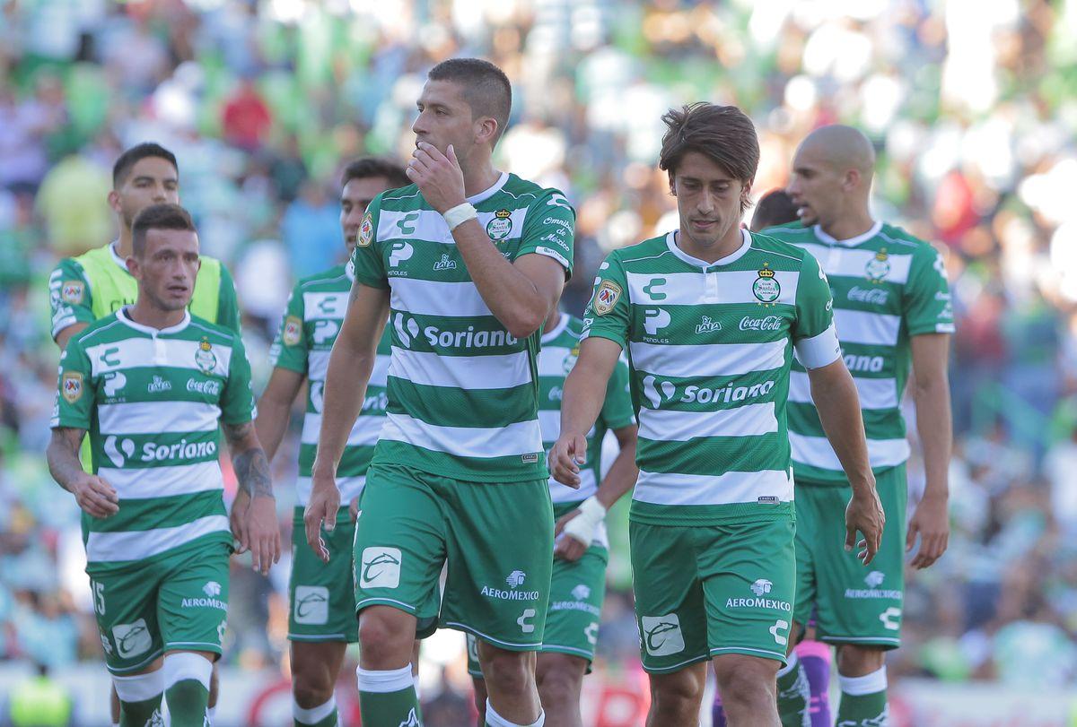 Santos Laguna v Tigres UANL - Torneo Apertura 2018 Liga MX