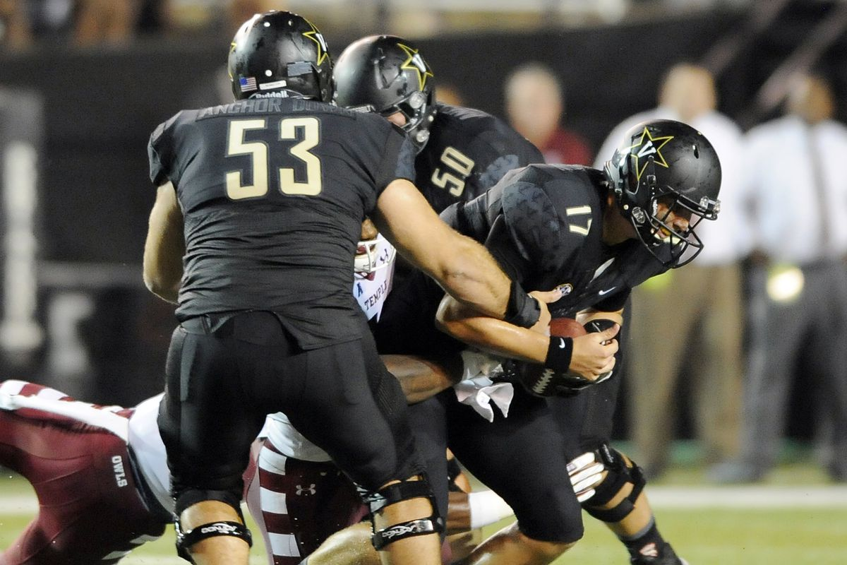 The only other photo of this that SBN provides is well after the sack, and makes it look like a fumble.
