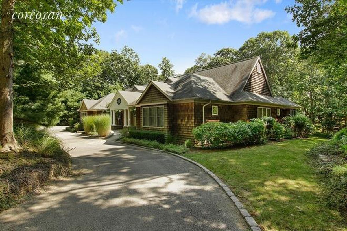 How much for montauk shingle style home with an indoor for How much is a house in the hamptons