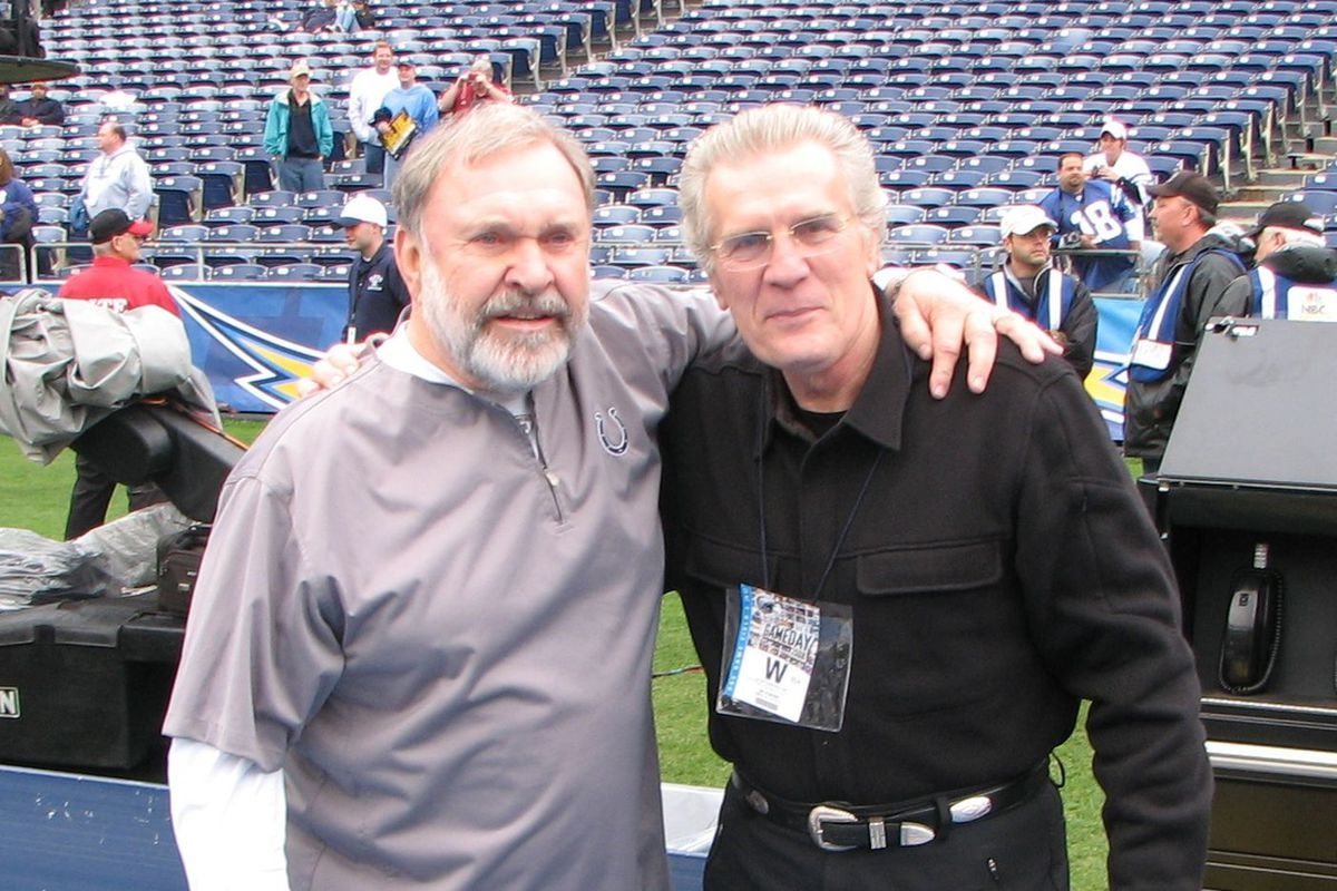 David Kopay (right) with former NFL offensive line coach Howard Mudd