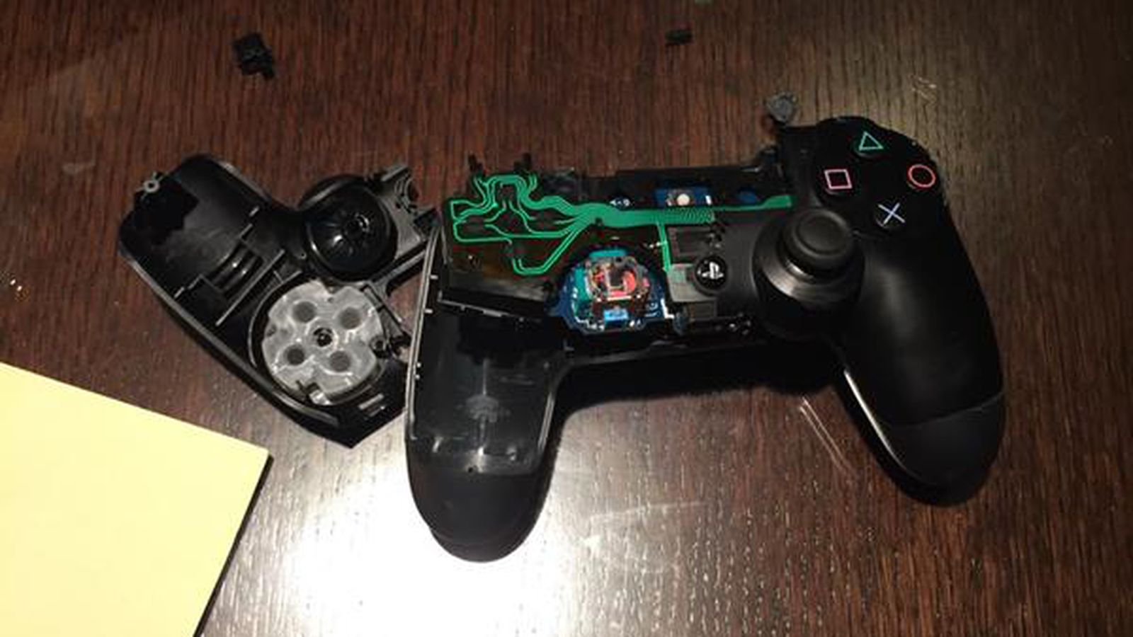 Game Controllers For Ps4 : Dani carvajal got angry playing video games and broke a