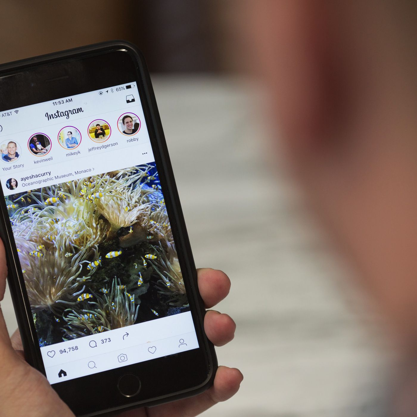61562b0aa You can now search Instagram Stories by location and hashtag - The Verge