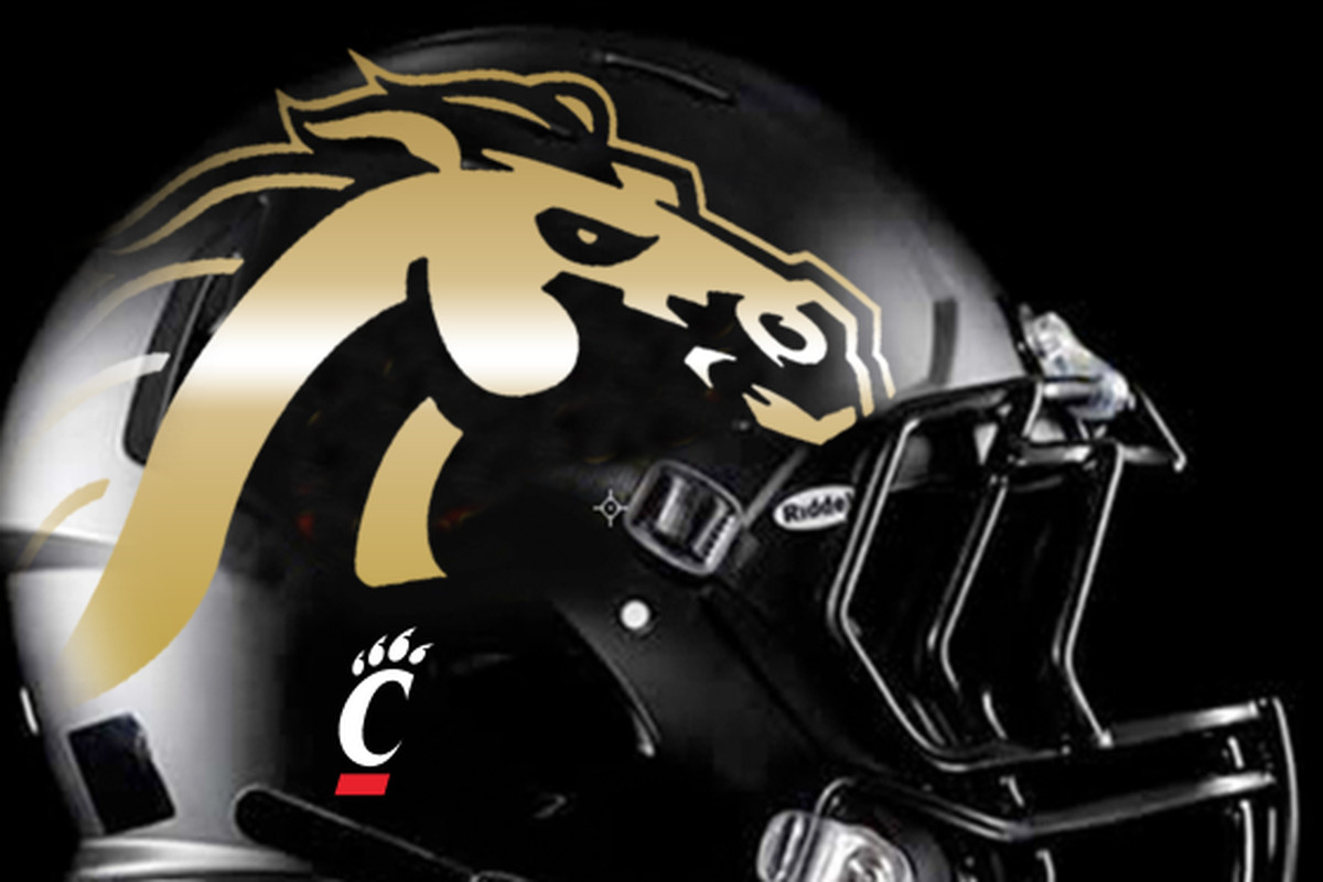 Western Michigan Honors Fallen Cincinnati Player With Helmet