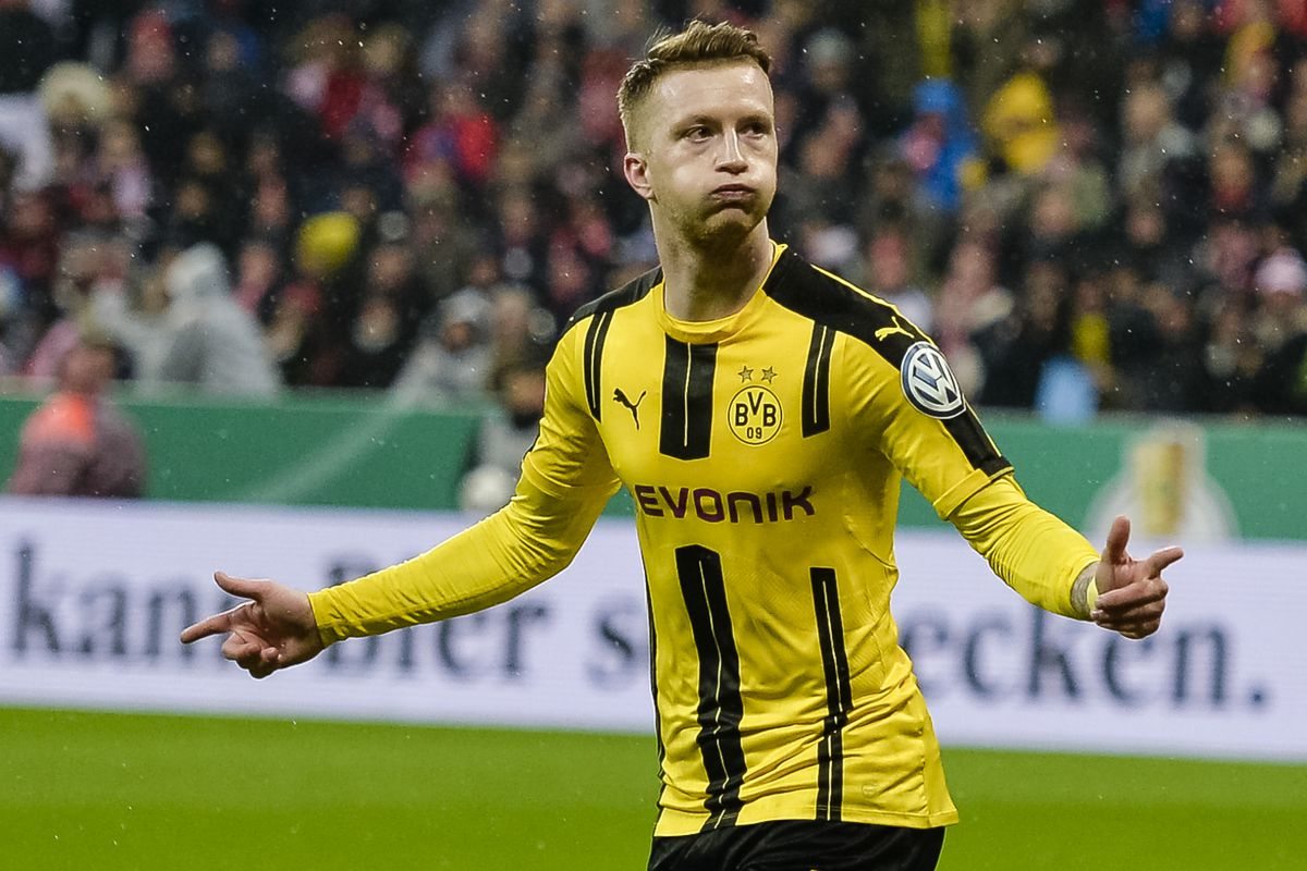 Marco Reus puts Dortmund up on Bayern after Javi Martinez
