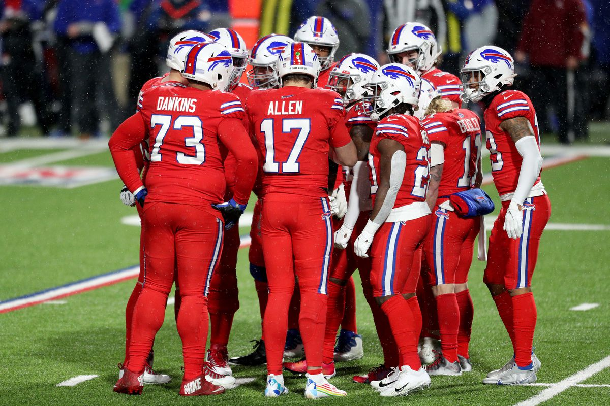 Buffalo Bills offense huddles during the second quarter against the Pittsburgh Steelers at Bills Stadium on December 13, 2020 in Orchard Park, New York.