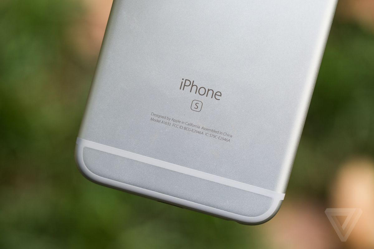 Here S How To Live With A 16gb Iphone The Verge
