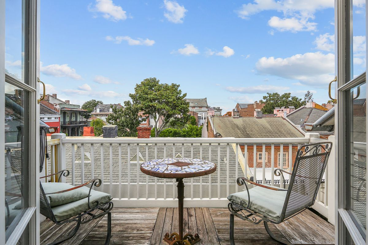 French Quarter Creole townhouse with guest home asks just under $2.2 ...