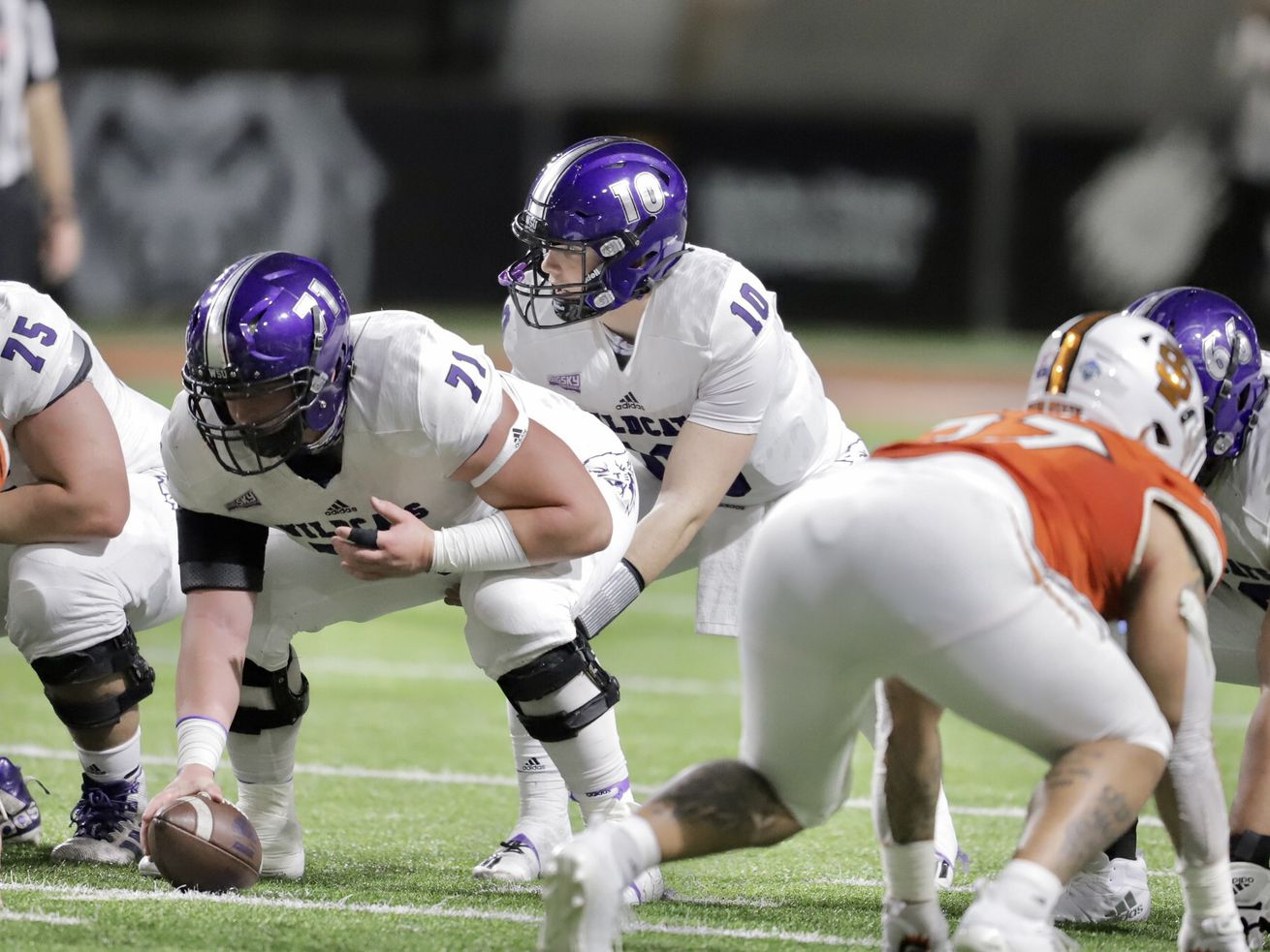 Bronson Barron shines in debut, Weber State beats Idaho State 49-21