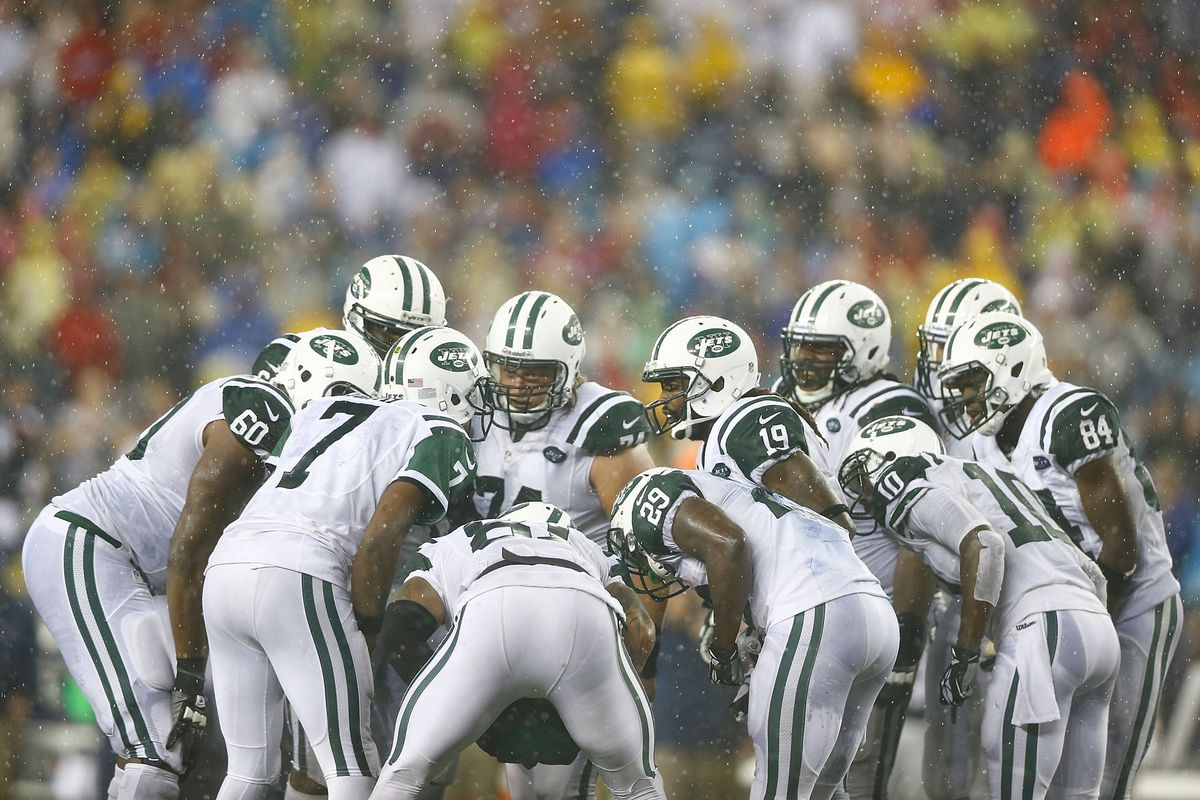"""Geno Smith (#7) leads the Jets Glee Club in their first performance of Beck's """"Loser"""""""