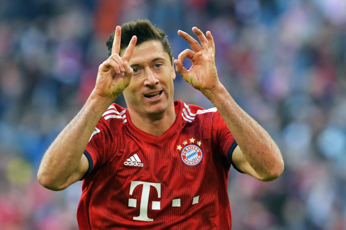 Bayern Munich's Lewandowski scores spectacular 200th ...