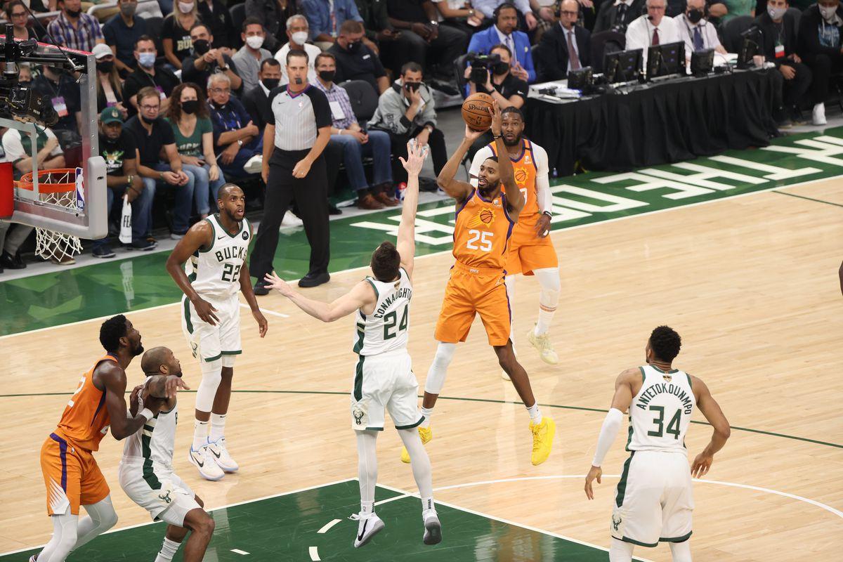 2021 NBA Playoffs - Phoenix Suns v Milwaukee Bucks