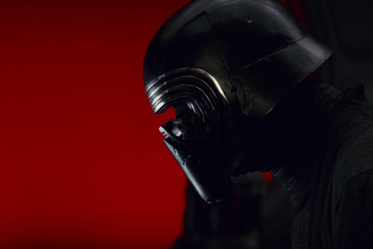 Rise Of Skywalker Director Jj Abrams Explains Why Kylo Ren S Mask Is Fractured In New Movie Deseret News