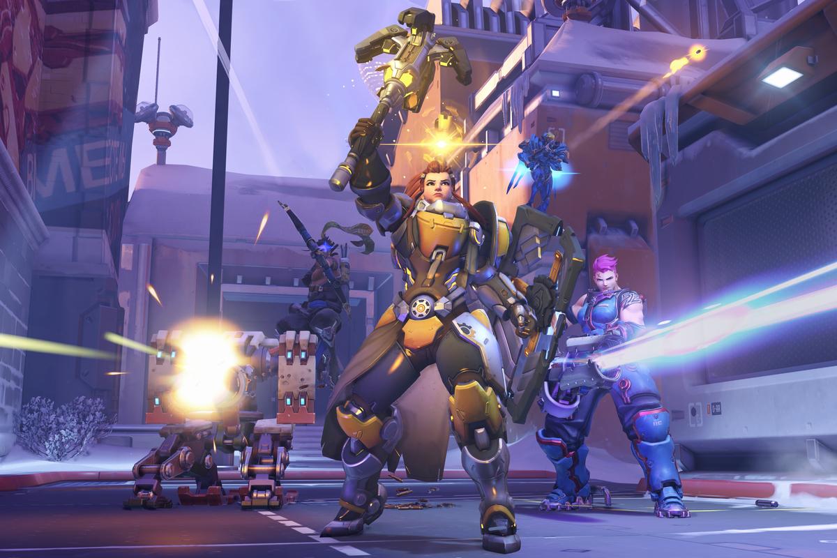 Overwatch - Brigitte rallies a team of heroes.