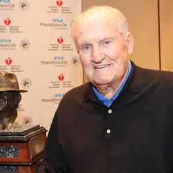 """Retired BYU coach LaVell Edwards is the recipient of  the 2013 Paul """"Bear"""" Bryant Lifetime Achievement Award. The coach received the award on Jan. 17, 2013, in Houston, Texas. Photo by Kelly Foss."""