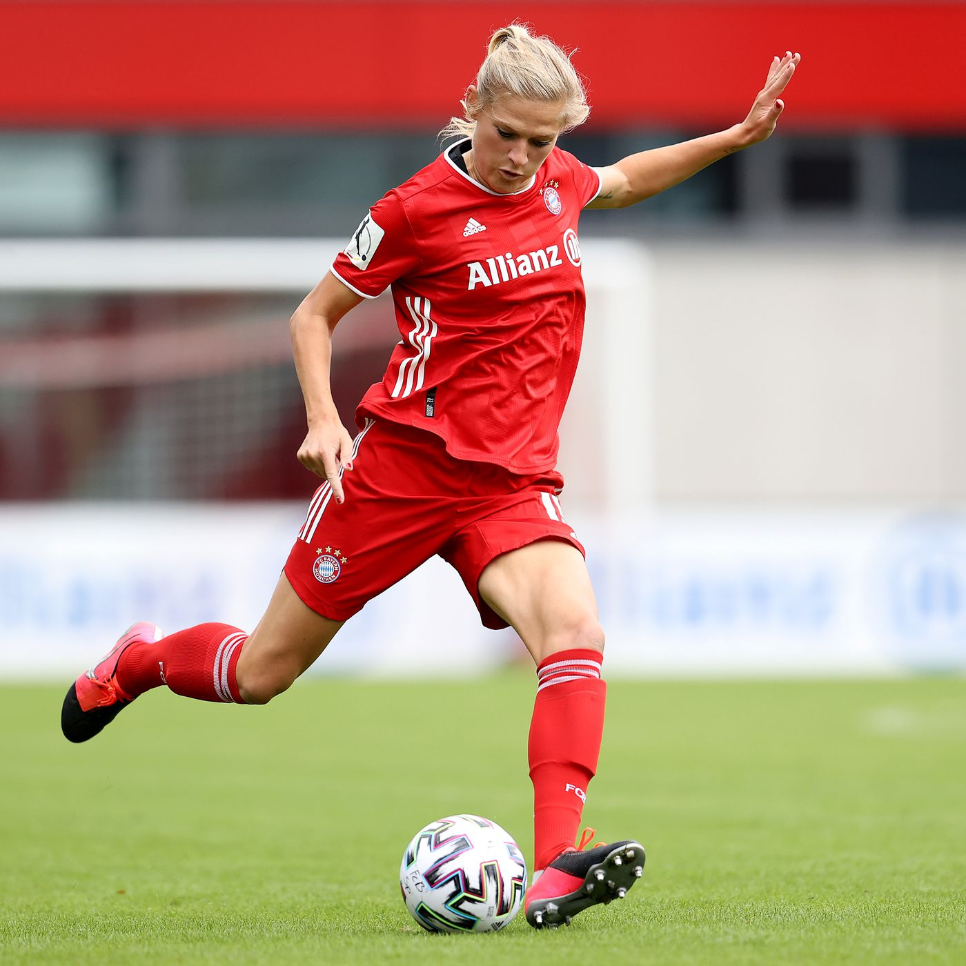 Bayern Munich Take Frauen Bundesliga Lead As Wolfsburg Stumble Bavarian Football Works