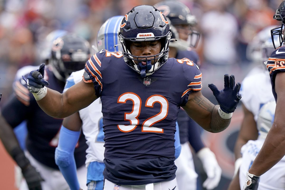 David Montgomery has contributed 38% of the Bears' offensive yardage this season.